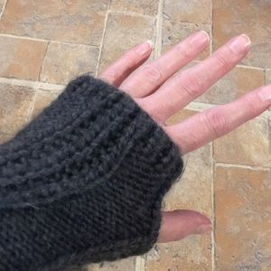 Michael Michael Kors cable knit arm warmers